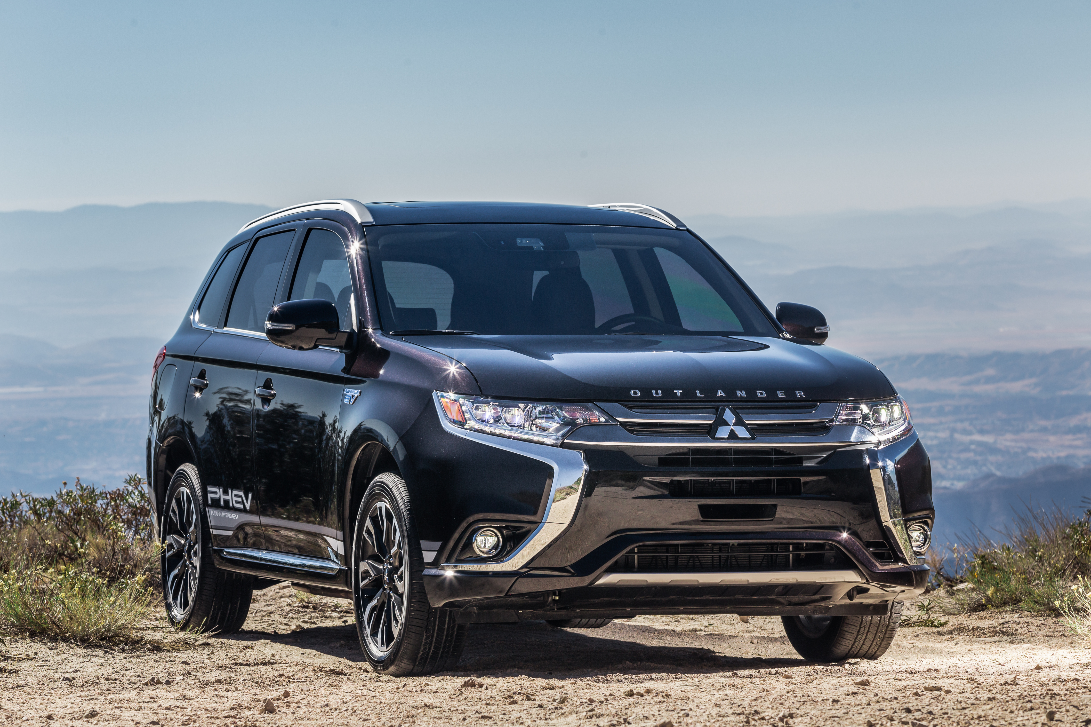 Mitsubishi Outlander Phev Named Green Car Journal U2019s 2019