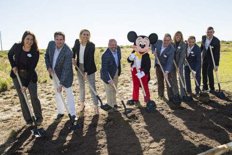 American Campus Communities and Walt Disney World representatives celebrate the groundbreaking of the Disney Internships & Programs Future Housing. From left to right: Manager of Government Relations Adrianna Sekula, Walt Disney World; ACC Chief Investment Officer William Talbot; ACC Chief Operating Officer Jennifer Beese; ACC CEO Bill Bayless; Mickey Mouse; George Kalogridis, President, Walt Disney World; Vice President Disney International and Campus Programs Kristi Breen, Walt Disney World; Senior Vice President of Resorts Thomas Mazloum, Walt Disney World; and Senior Manager of Business Development Sebastien Baillet, Walt Disney World. (Photo: Business Wire)