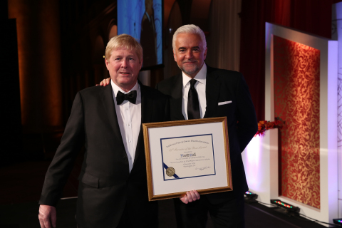 David Hall, Founder and CEO of Velodyne Lidar, and John O'Hurley, host of IPO Education Foundation's 2018 Inventor of the Year Awards. (Photo: Business Wire)
