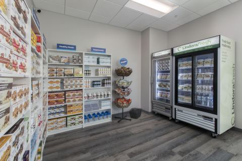 Lindora's new clinic designs have made room for new products including ketogenic, all-natural, ready-made meals under the brand's LindoraFresh® line. (Photo: Business Wire)