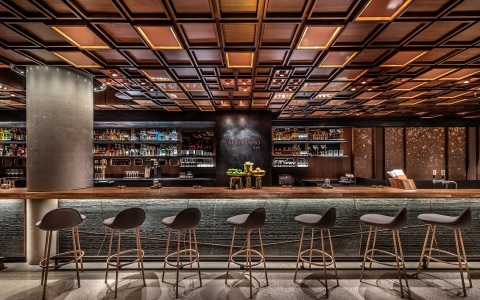 For the first time in the U.S., Starbucks will debut the Arriviamo Bar, serving coffee and tea infused signature cocktails inside the Starbucks Reserve Roastery New York. (Photo: Matthew Glac Photography)