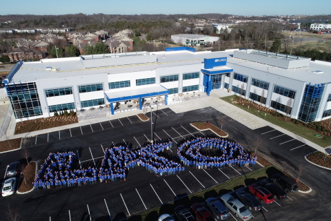 Employee image in LKQ formation (Photo: Business Wire)