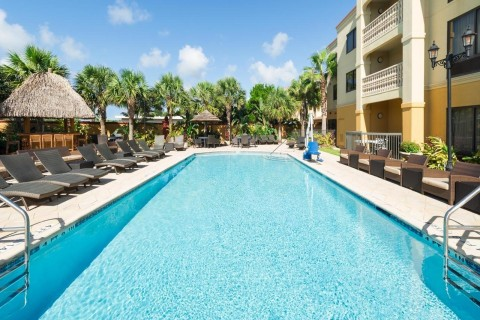 The Hampton Inn & Suites St. Augustine-Vilano Beach. (Photo: Business Wire)