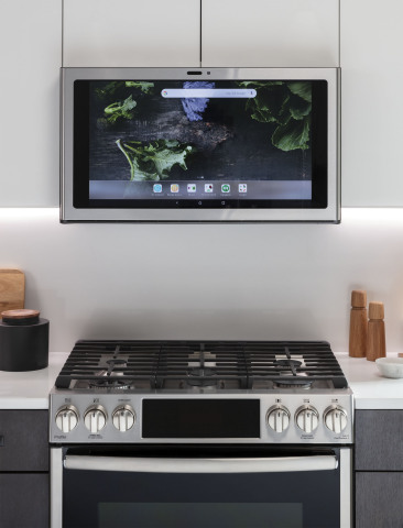 GE Appliances' smart Kitchen Hub provides convenient access to recipes, music, video chat and more. (Photo: GE Appliances, a Haier company)