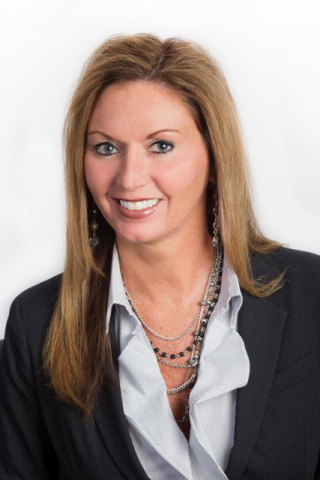 Dawn Whitacre, branch manager of the Dayton, Ohio office of UBS Financial Services Inc. (Photo: Business Wire)