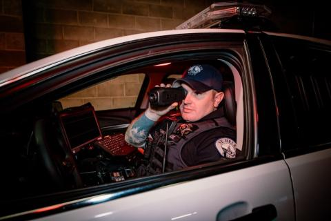 The new FLIR Scion Professional Thermal Monocular (PTM) for public safety professionals can stream live thermal video to provide greater situational awareness. (Photo: Business Wire)