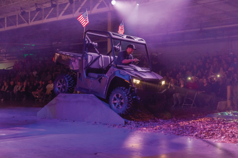 Luke Bryan kicks the dust up while introducing the all-new Tracker Off Road line. (Photo: Business Wire)