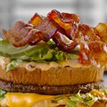 Porque no existe tal cosa como demasiado bacon, obtén bacon GRATIS con cualquier producto del menú durante la primera Bacon Hour de McDonald's