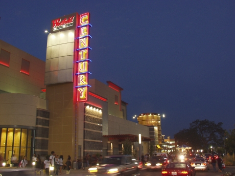 Cinemark SPACES opens February 8 at the Century 20 Oakridge and XD theatre in San Jose, CA at the Westfield Oakridge Shopping Center (Photo: Business Wire)