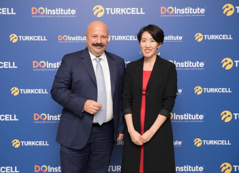 Turkcell CEO Kaan Terzioglu and DQ Institute Founder Dr Yuhyun Park had announced the partnership between the two institutions in April, 2018 in Istanbul. (Photo: Turkcell)