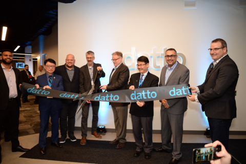 Canadian public officials MPP Pang and Councillor Alan Ho join Datto CEO Tim Weller and other Datto leaders to celebrate the grand opening of the new Datto office in Ontario. (Photo: Business Wire)