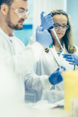 Abcam scientists at work (Photo: Business Wire)
