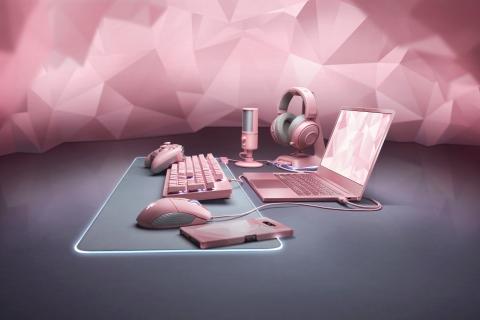 Razer Blade Quartz pink edition peripherals (2019) (Photo: Business Wire)