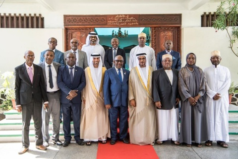 Comoros President in commemorative photo with UAE delegation (Photo: AETOSWire)