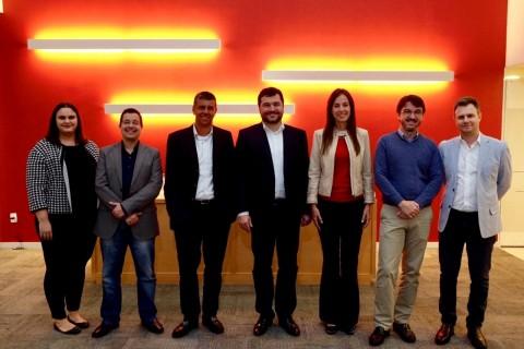 Team Photo (from right to left): Edivandro Conforto, Sérgio Lazzarini, Carolina da Costa, Ricardo Vargas, Marcelo Orticelli, David Kallás, Fabiana Bortoleto at the launch event in November 2018. (Photo: Business Wire)