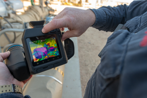 The new FLIR GF77 Gas Find IR uncooled thermal camera is designed to detect methane. At roughly half the cost of cooled cameras, it provides more professionals in the oil and gas industry access to this technology. (Photo: Business Wire)