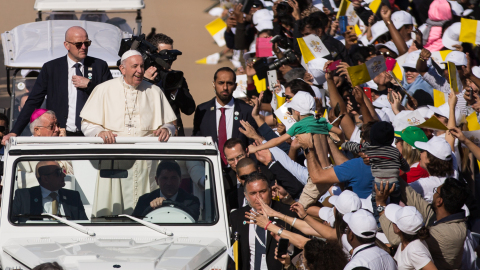 Pope Francis Delivers Historic Mass for 180,000 Catholics in The United Arab Emirates (Photo: AETOSW ...