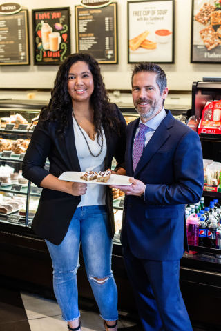 """Barnes & Noble My Cookie Story Contest winner Jessica McGehee with Neil Strong, VP of Cafe Operations for Barnes & Noble, and her award-winning """"Taste of Home"""" cookie that will be served in all Barnes & Noble Cafes during the 2019 holidays. Credit: Paige Powell, Creative Paige Photography."""