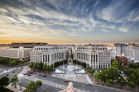Columbia has brought Market Square, the iconic 696,000-square-foot office complex on Pennsylvania Avenue in Washington, D.C., to 90 percent leased, at attractive rates. (Photo: David Madison Photography)