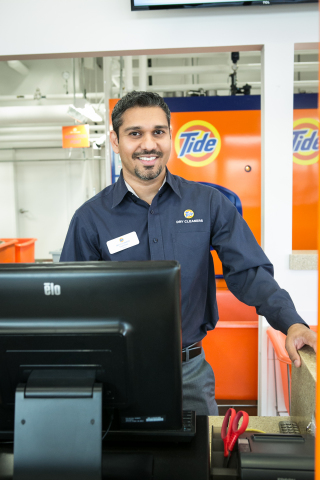 Tarak Patel, franchisee at local, family-owned storefront in Mt. Prospect, Illinois, greets customers. (Photo: Business Wire)