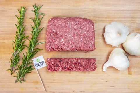 Beyond Beef, the latest product innovation from Beyond Meat, delivers on the meaty taste, texture and versatility of ground beef but is made from simple plant-based ingredients without soy, gluten or GMOs. (Photo: Business Wire)