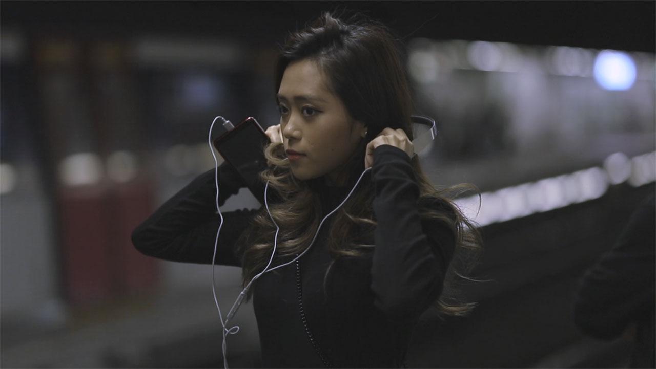 Moshi's Avanti C USB-C on-ear headphones