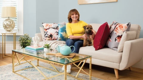 Wayfair.co.uk launches new campaign with brand ambassador Lorraine Kelly (Photo: Business Wire)