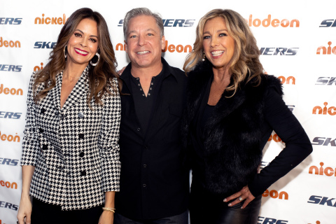 Brooke Burke, Skechers Foundation president Michael Greenberg, and Denise Austin celebrate the 10th anniversary of the Skechers Pier to Pier Friendship Walk. (Photo: Business Wire)