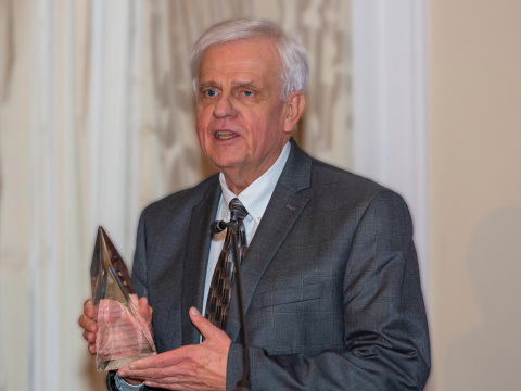 Pentair Engineering Senior Director Arnie Sdano was recently honored by the Hydraulic Institute with its 2018 Lifetime Achievement Award. (Photo: Business Wire)