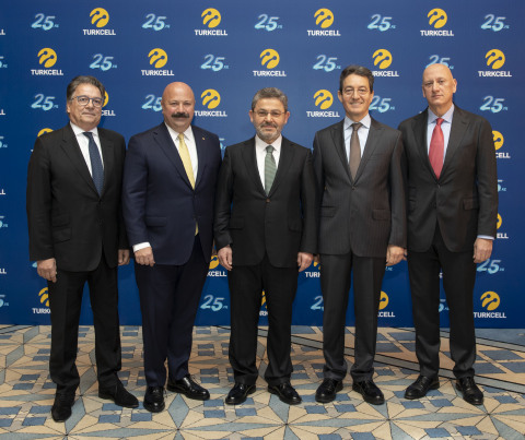 At Turkcell's 25th year special event, Turkcell Chairman Ahmet Akca and Turkcell CEO Kaan Terzioglu hosted former CEOs Cuneyt Turktan, Muzaffer Akpinar and Sureyya Ciliv, and Osman Berkmen and Murat Vargi, architects of Turkcell's quarter-century long success story. (Photo: Turkcell)