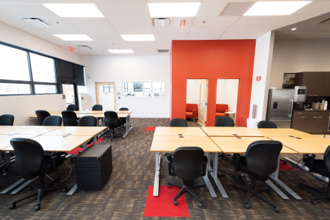 LabShares Newton's newly expanded facility features a cutting-edge lab and co-working space that can now accommodate up to 30 startups. (Photo: Business Wire)