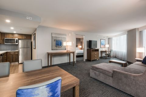Homewood Suites by Hilton Ottawa Downtown (Photo: Business Wire)