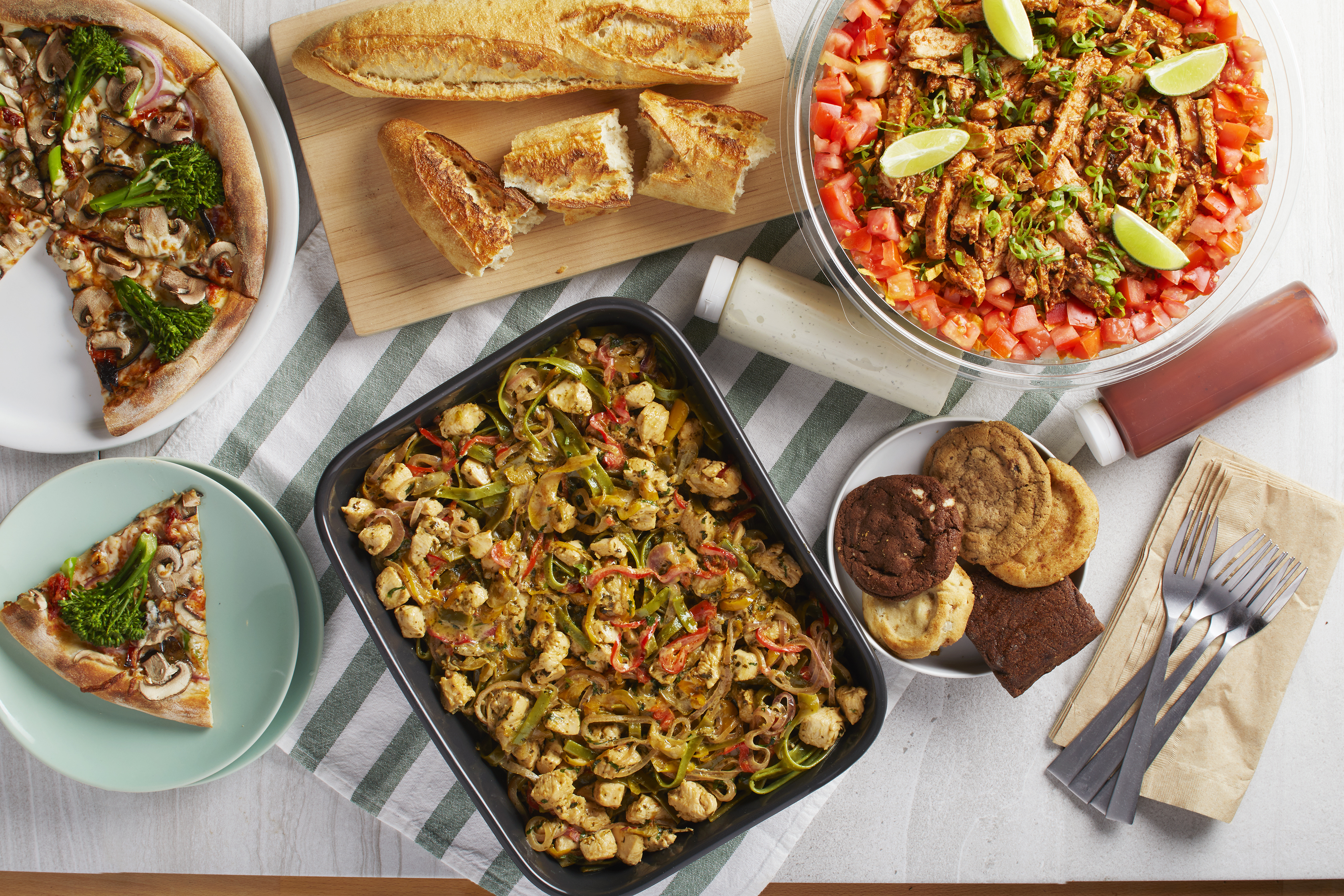 Awe Inspiring California Pizza Kitchen Introduces New Spring Seasonal Home Interior And Landscaping Staixmapetitesourisinfo