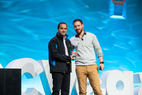 Markus Bergthaler, Global Director of Programs and Marketing, Merchant Risk Council (MRC), presenting the MRC Technology Award to Ameya Talwalkar, Co-founder and CPO, Cequence Security (Photo: Business Wire)