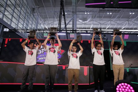 In this photo provided by Nintendo of America, FTWIN wins the Splatoon 2 North America Inkling Open 2019 on Saturday, March 30, 2019, at PAX East in Boston. (Photo: Business Wire)