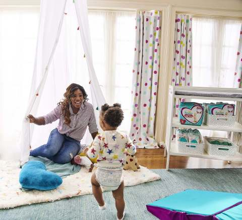 Pampers & Serena Williams unite to encourage parents to unleash their active babies with the help of new Cruisers 360 FIT diapers - designed to keep up with every wild move a baby makes. (Photo: Business Wire)