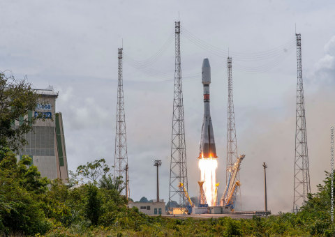 O3b Satellites Roar into Space, Scaling SES's MEO Constellation (Credit: Arianespace)
