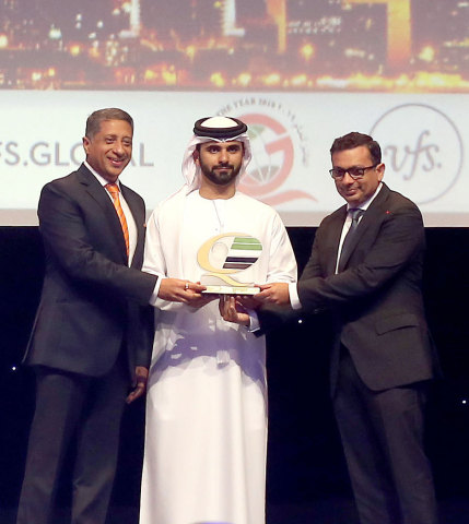 His Highness Sheikh Mansoor bin Mohammed bin Rashid Al Maktoum bestows the Dubai Quality Global Award (DQGA) - for Service Sector on Zubin Karkaria, Chief Executive Officer, VFS Global Group (Photo: Business Wire)