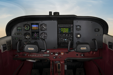 GFC 500 autopilot in a Cessna 172 (Photo: Business Wire)