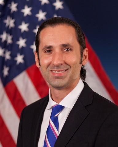 Dr. Justin Sanchez (Photo: Business Wire)