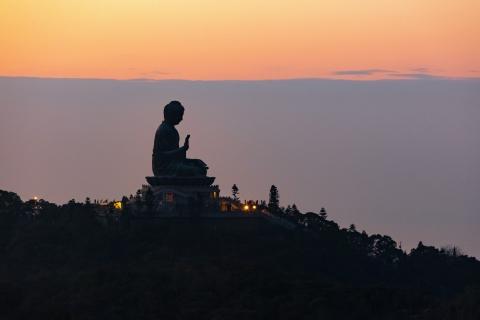 每年佛诞,香港佛堂寺庙和佛教团体会进行为期一周的庆典、法会与启发心灵等活动,当中亮点就是浴佛仪式(照片:美国商业资讯)