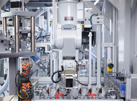 Daisy, Apple's recycling robot, will now disassemble used iPhones returned to Best Buy in the US and KPN in the Netherlands. (Photo: Business Wire)