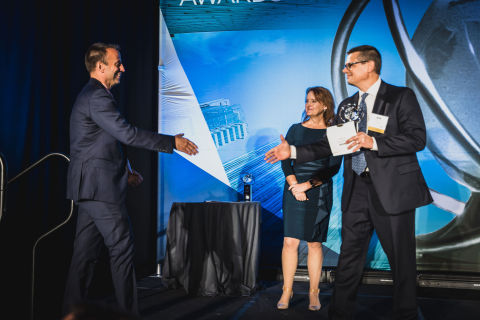 TCF Bank's chief information officer, Tom Butterfield, accepts the 2019 CIO of the Year ORBIE Award in the Large Enterprise category from the Twin Cities CIO Leadership Association. (Photo: Twin Cities CIO Leadership Association)