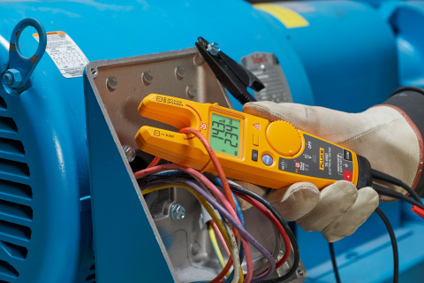 The Fluke T6-1000 Electrical Tester wins the 2019 Best New Product Award in the Protective Tools, Ha ...