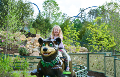 Guest Kari Willis enjoys Black Bear Trail, one of the newest attractions at Dollywood's Wildwood Grove. Wildwood Grove is the largest expansion in the history of Dollywood theme park in Pigeon Forge, Tennessee.  (Photo: Business Wire)