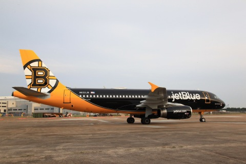 """JetBlue's """"Bear Force One"""" is the airline's first NHL-themed livery and its third dedicated to a Boston professional sports team."""