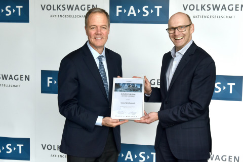 Cree CEO, Gregg Lowe stands with Mr. Baecker, Head of Volkswagen Purchasing Connectivity during Volkswagen Group's FAST partner selection ceremony held internally at their Wolfsburg, Germany headquarters on May 10 (Photo: Business Wire)