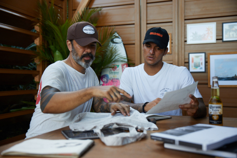 Gabriel Medina designing reusable bag to support the ban of single-use plastic in Bali. (Photo: Business Wire)