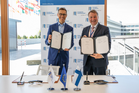 EIB Vice-President Alexander Stubb and Tuomas Tenkanen, CEO of Mobidiag (source: EIB)