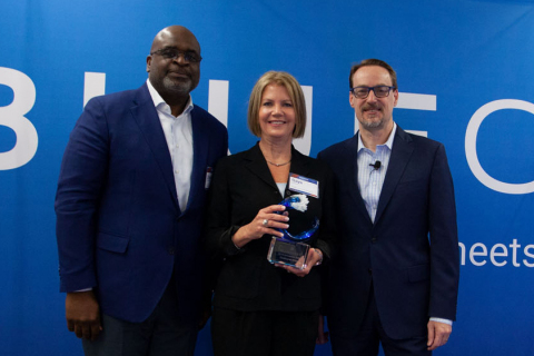 Sherman Swanigan, Area Sales Representative, BlueCrest; Gaye Krisantz, Vice President, Payroll Services, OneSource Virtual; Grant Miller, President and CEO, BlueCrest (Photo: Business Wire)